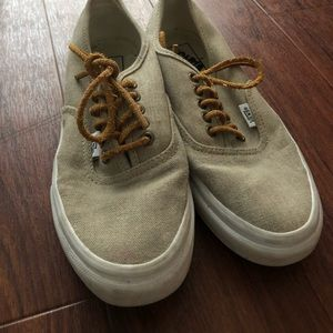 Beachy Vans with Leather Laces